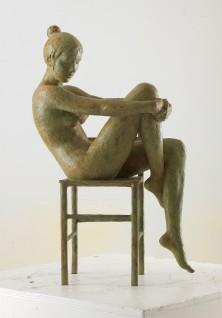 33 - Nudo sulla sedia (N°3 bronzo 62x35x23cm)